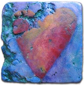 cuore a pezzi frammenti di pietra