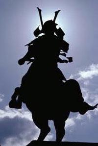 guerriero armato a cavallo dominio maschile